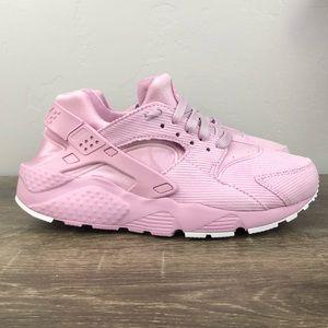 NEW Nike Huarache Run SE